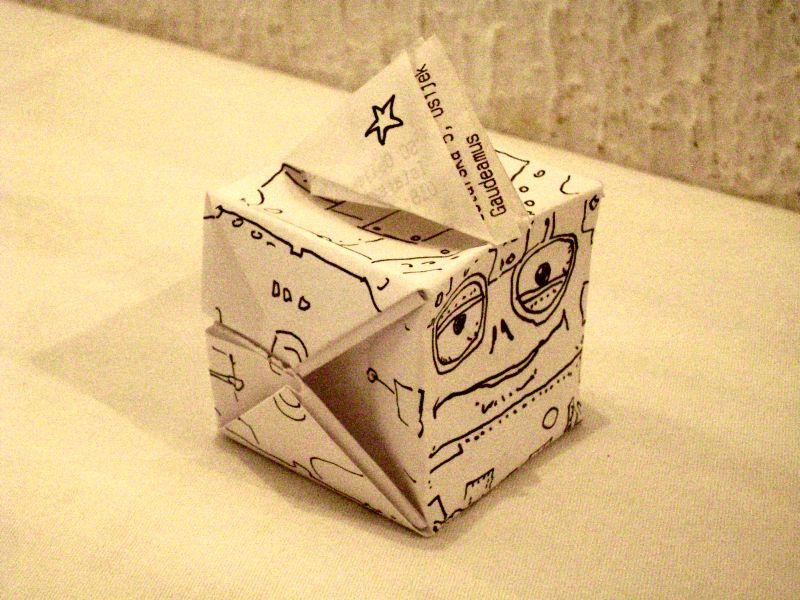 """domigorgon """"Folded Modron"""", con cappello - il disegno è by Domigorgon (Domagoj Rapčak) domigorgon.blogspot.com (2010-04) © dell'autore tutti i diritti riservati"""